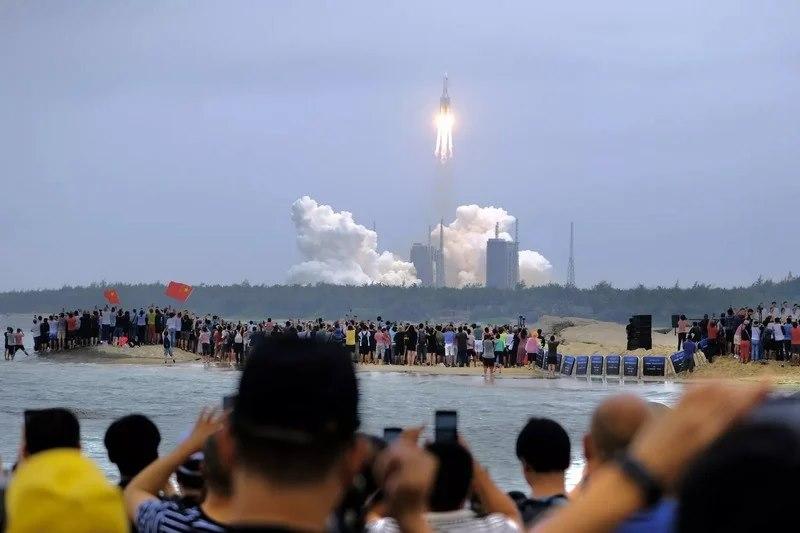 """الصين تقول إن الصاروخ """"التائه"""" سقط في بحر العرب"""