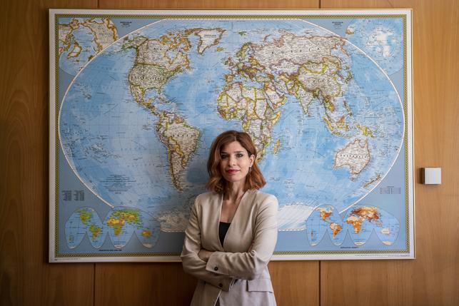 الدكتورة هناء جلول..أول كفاءة عربية تصل للحكومة الإسبانية